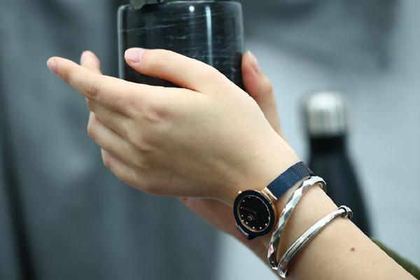 时尚简约石英手表  稳达时厂家可批量定制.jpg
